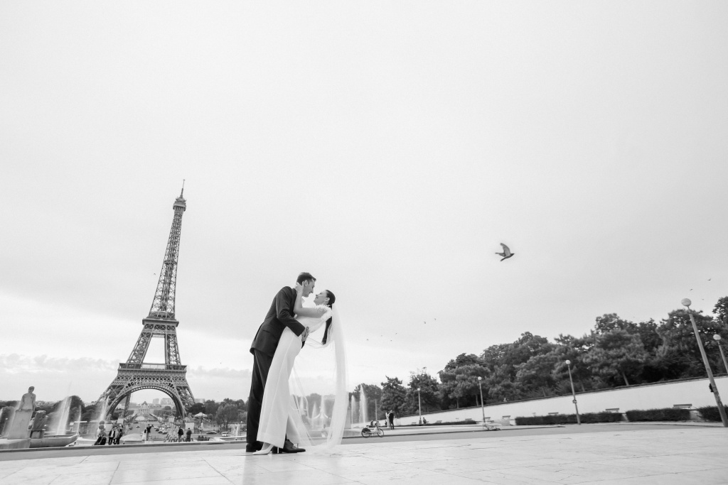 Trocadero elopement session, France, Anastasia Abramova-Guendel photographer, #23515