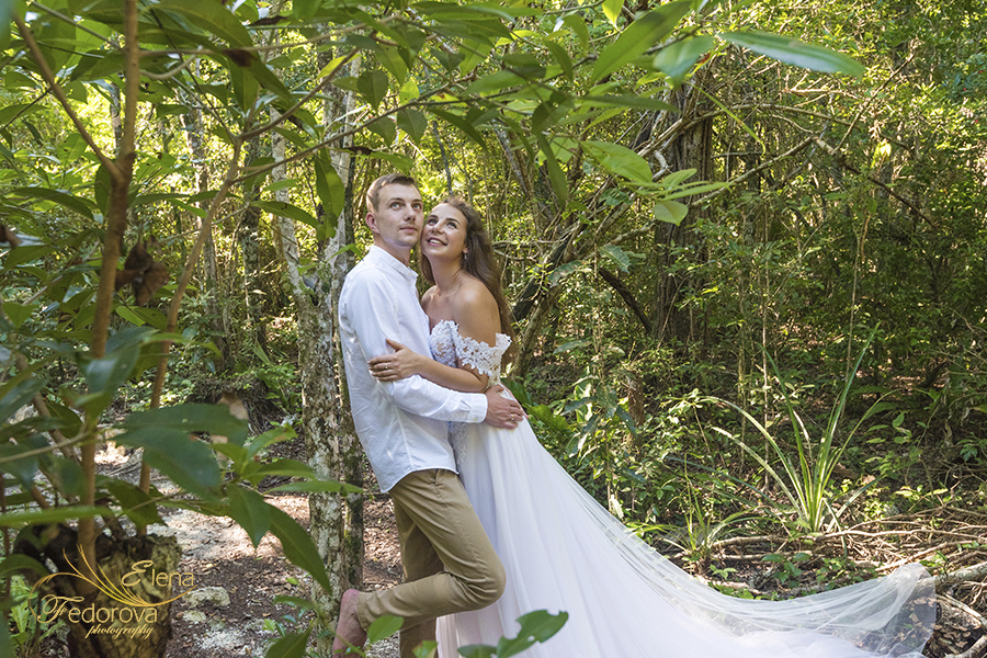 Honeymoon photoshoot in a cenote in Tulum Mexico, Cancun , Elena Fedorova photographer, #24177