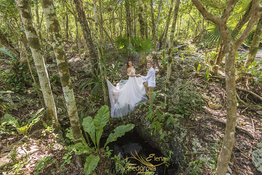 Honeymoon photoshoot in a cenote in Tulum Mexico, Cancun , Elena Fedorova photographer, #24174