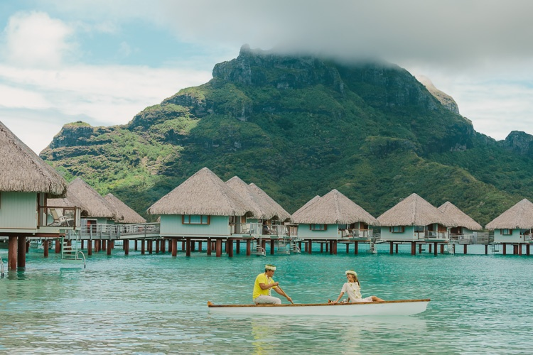 Bora bora honeymoon and wedding photographer