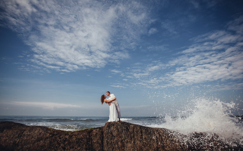 Wedding photoshoot on the seacoast