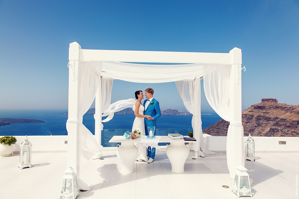 Wedding Ceremony at Santorini,Greece