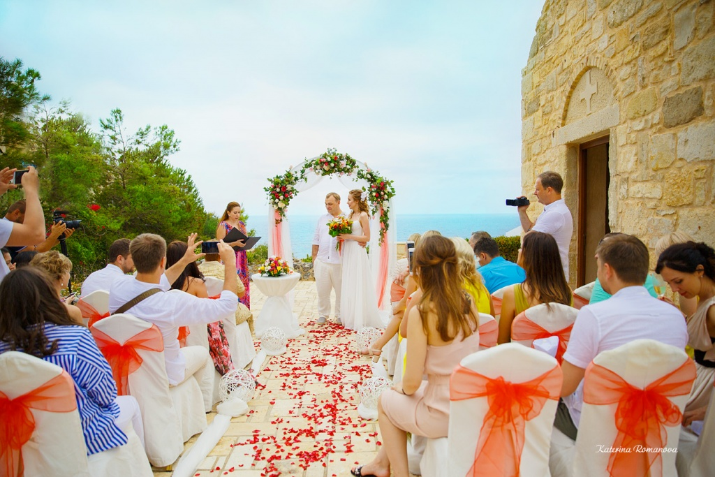 Photographer in Crete, wedding planner in Greece, stylist Crete