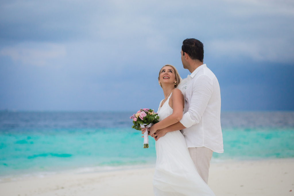Wedding portrait in sandbank