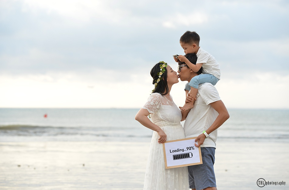 Bali beach maternity photo