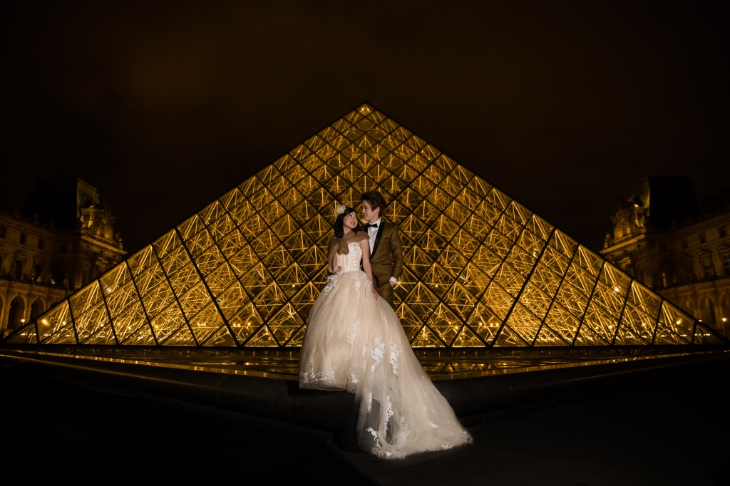 Pre-wedding Paris photoshoot