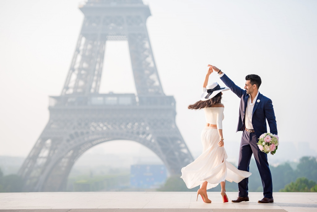 Engagement photo session by the Eiffel Tower, Paris