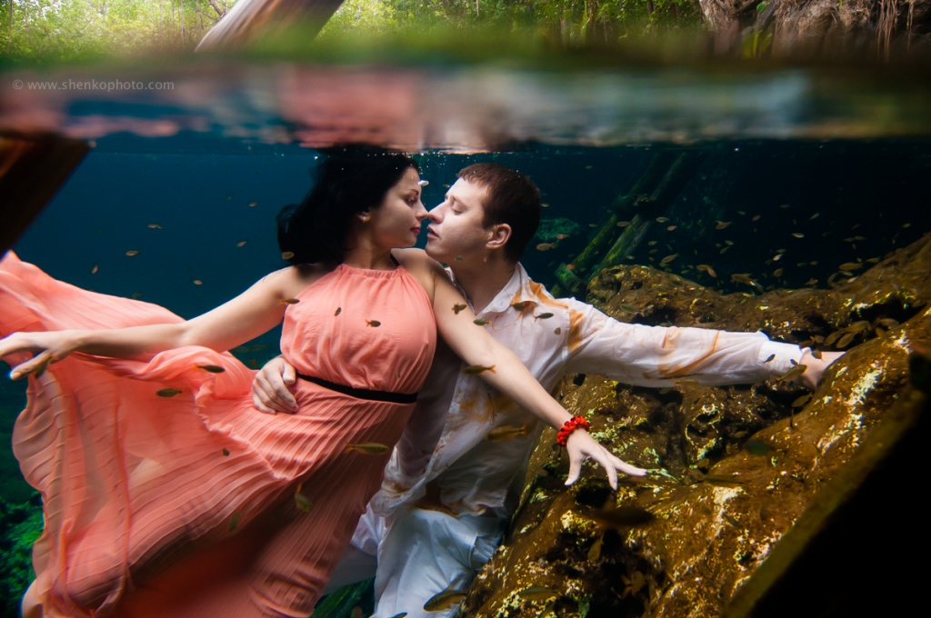 Underwater photo session in mexico